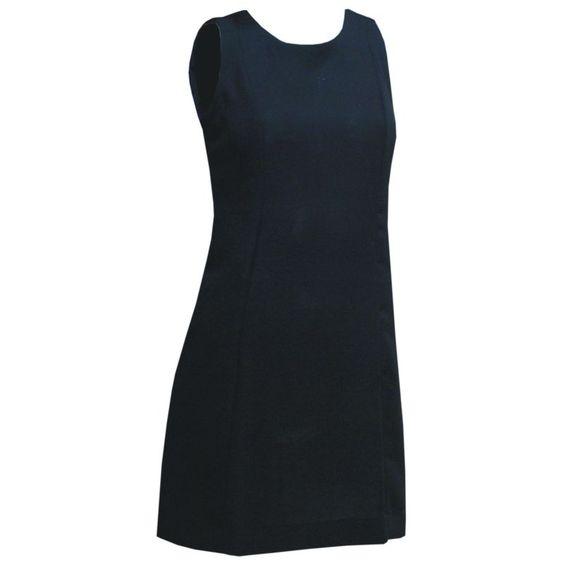 Vestido Tubinho Preto com Gota e Laço nas Costas R$149.90