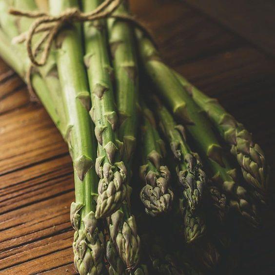 """Hey Beauty ""  #veggielover #spargel #paleo #foodporn #pure #foodlover #green by soulfoodlovina"