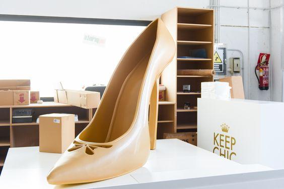 Fabricación zapato corpóreo en fibra de vídrio.