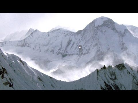 Strange UFO filmed by Russian helicopter over West Siberia - Jan 2016…