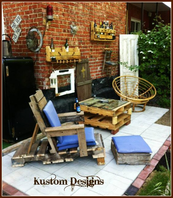 Rustic Looking Reclaimed Pallets Made Into Practical Furniture And Storage  Units. Home, Office,