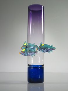 Trigger Fish Vase by Melanie & David Leppla. American Made. See the designer's work at the 2016 American Made Show, Washington DC. January 15-17, 2016. americanmadeshow.com #americanmade, #americanmadeshow, #artglass, #glass, #vase, #triggerfish