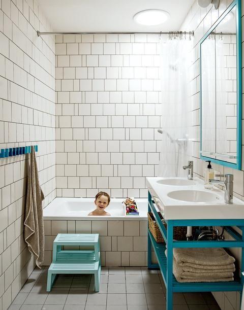 Love this happy little bathroom