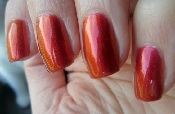 Sally Hansen - Nail Prisms Bronze Ruby