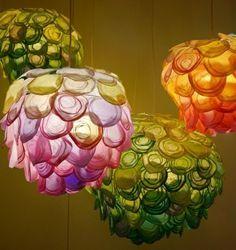 papierleuchten farbige pendelleuchten uniques design. Warum langweilige weiße Papierlampen im Zimmer hängen haben, wenn man so Schöne, bunte und kreative Lampen daraus basteln kann.
