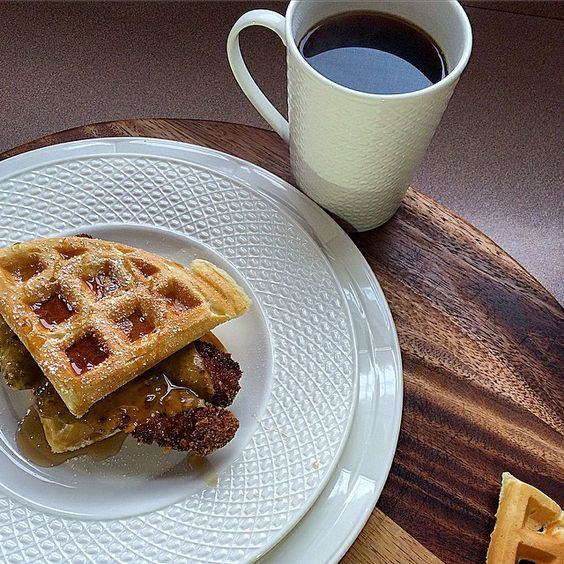 Chicken and Waffle Sandwiches for everyone‼️ | Photo by: Frankie Ferrante | Dinnerware: Sculpture Mixed Round- Entertain 365 by Lenox