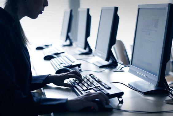 Trainingen met alle nodige computerfaciliteiten