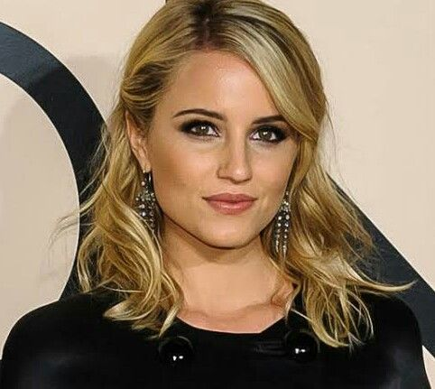Famed Stars Dianna Agron Biography Body Statistics Family C In 2020 Dianna Agron Celebrity Biographies Diana Agron