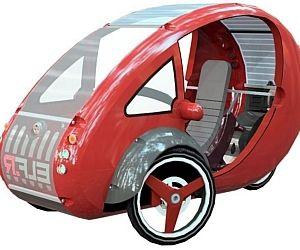 Triciclo elétrico chega a 32km/h, tem faróis de LED e até freios pneumáticos a disco