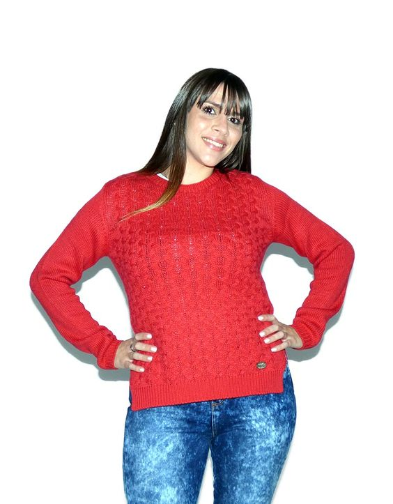 Sweater rojo trenzado de Scombro