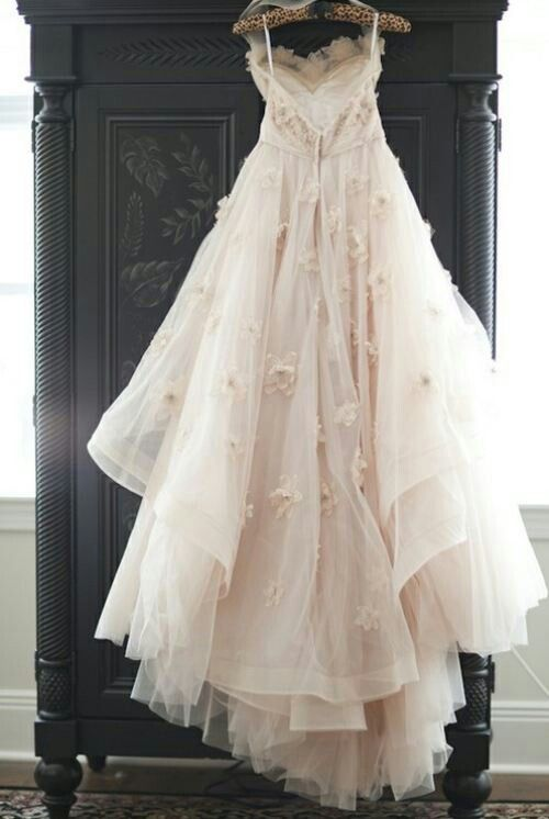 I would live in this dress if I had it