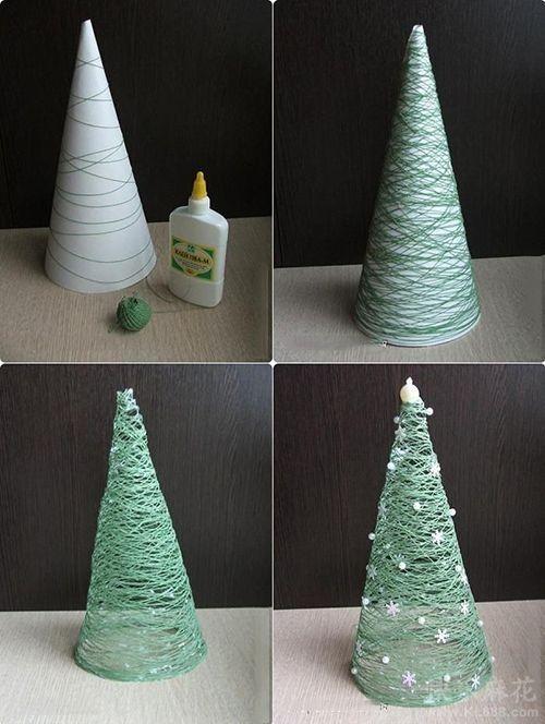 Para Hacer Este Pequeno Arbol De Navidad Necesitamos Papel Encerado Hilo Verde Cola Blanca Y Decoraciones De Navidad Diy Manualidades Manualidades Navidenas
