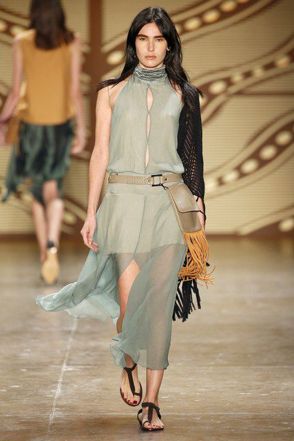 Lilly Sarti, Look #37