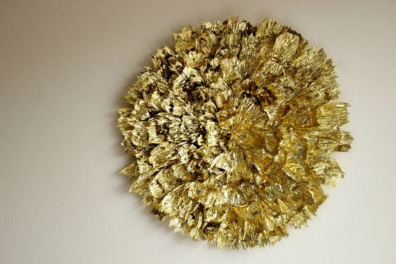 Hank and Hunt • HOW TO MAKE A GIANT GOLD WALLDECORATION #DIY