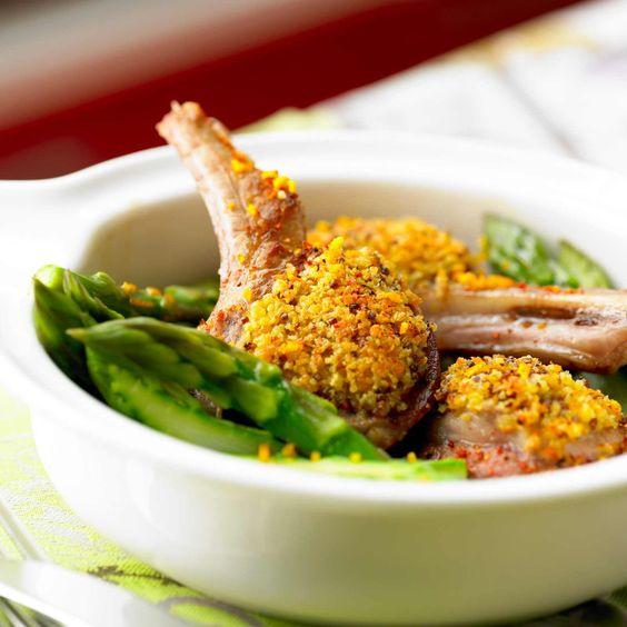 L'agneau ? On aime sa viande tendre et rosée et ses côtelettes vites faites. La preuve en 10 recettes vraiment appétissantes.