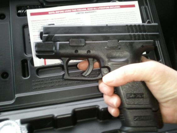 Springfield XD 9mm subcompact :)Loading that magazine is a pain! Save those thumbs & bucks w/ free shipping on this handgun magazine loader i got mind at  http://www.amazon.com/shops/raeind