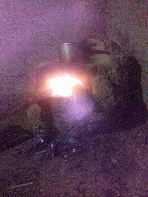 Este é meu fogão, eu esculpi um cupim pra fazer!