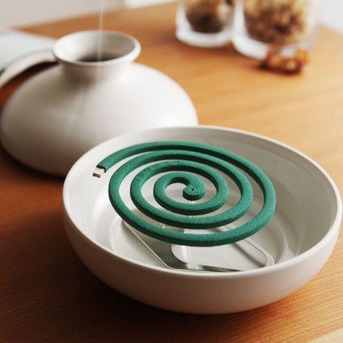 蚊取りの壺。 KATORI POT (蚊取りポット) - まとめのインテリア / デザイン雑貨とインテリアのまとめ。