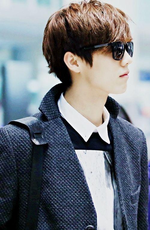 Luhan EXO M DeerHan #Airport #Sunglasses