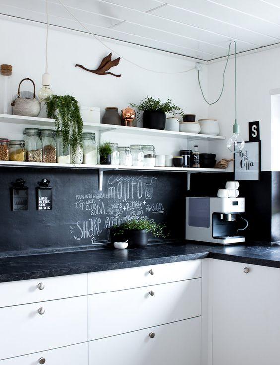 Die Küche im Sommer