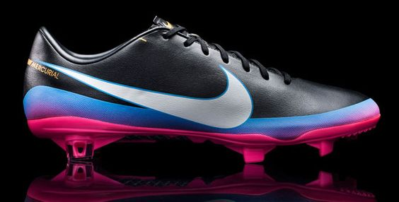 Chuteira Nike Mercurial Vapor 8 CR FG: http://blog.batecabeca.com.br/chuteira-nike-mercurial-vapor-8-cr-fg.html