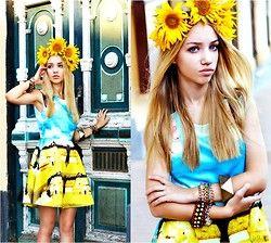 Chicwish Dress, Self Made Flower Crown, Zara Bracelet, Stradivarius Bracelet, Swatches Clocks - Kiss sky  - Aksinya Air