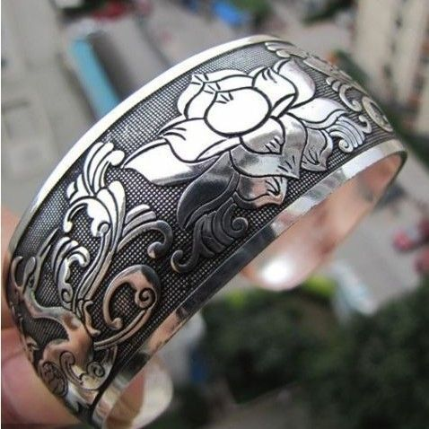 'New Tibetan Tibet Silver Carved Lucky Flower Bangle ' is going up for auction at  6am Wed, Sep 19 with a starting bid of $1.