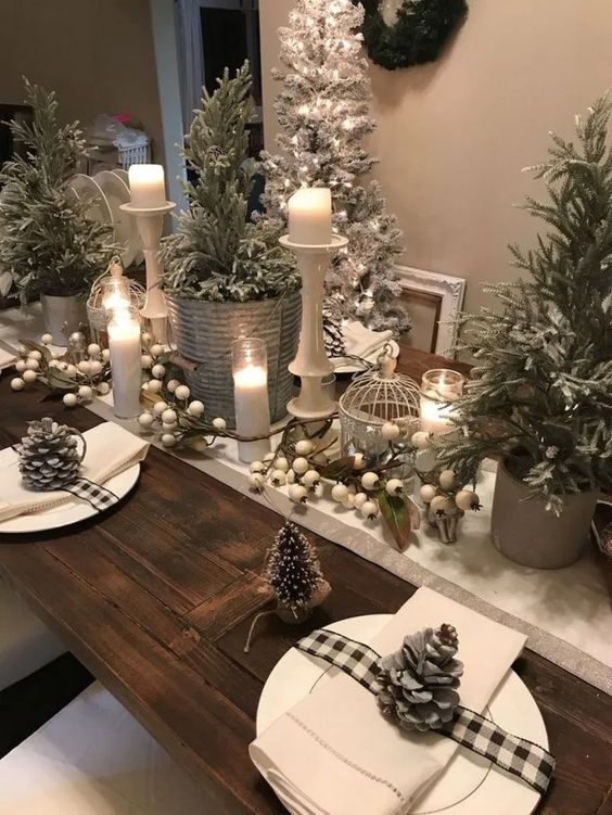 30 Latest Christmas Decorating Ideas That Defines Luxury With Panache Hike N Dip Christmas Table Centerpieces Indoor Christmas Decorations Christmas Table Decorations