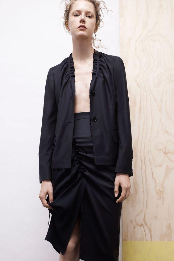 Colovos Spring 2017 Ready-to-Wear Collection Photos - Vogue ...interesting neckline on that blazer...