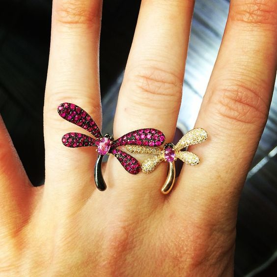 """These dragonflies wont be scared away even with a little fall chill! #dragonflies #rosegold #rose #rubies #gold #ring #instagood #fall #beautiful #pretty…""  Follow us on Instagram: @jenkpix Visit us online: http://www.jenkdesignsny.com"