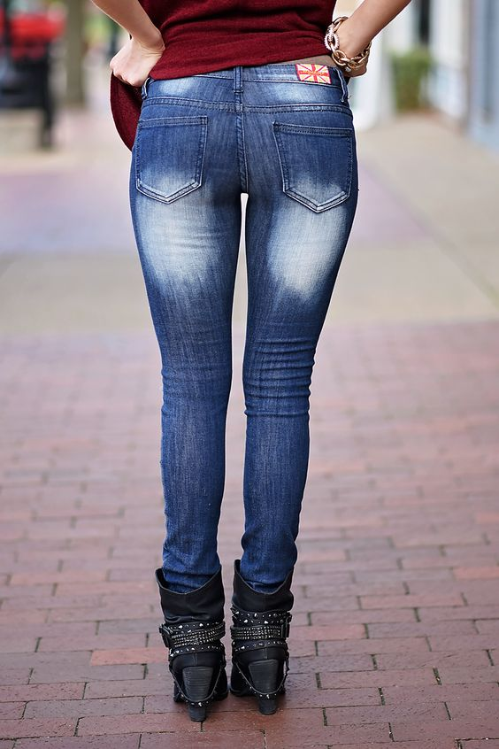 Distressed Dark Wash Skinny Jeans – The Pulse Boutique