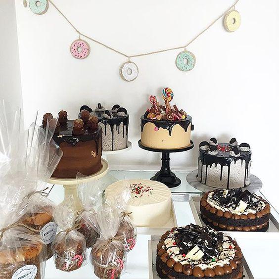 Y comienzan las entregas de navidad  y miren mis guirnaldas mas lindas del mundo de @algobonitook ! Donuts hechas de crochet DIVINAS!! #navidad #christmas #kekukis #bake #bakery #cake #pastry #pasteleria #bsas #buenosaires #argentina #delish #design #food #foodie #FoodStyling