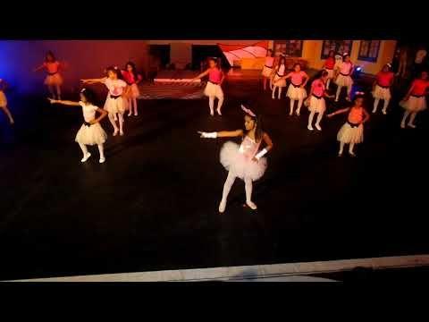 All I Want For Christmas Is You Mariah Carey Coreografia Velada Navidena Youtube Mariah Carey Kids Dance Mariah
