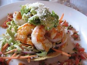 Langostinos bajos en calorías con verduras y arroz