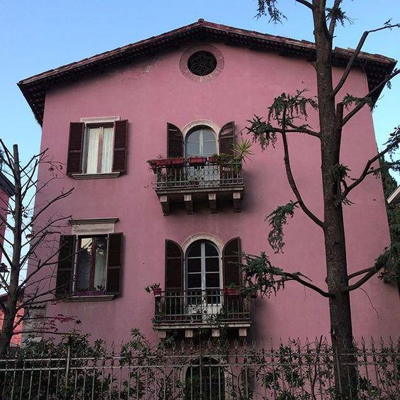 Cute pink house near home