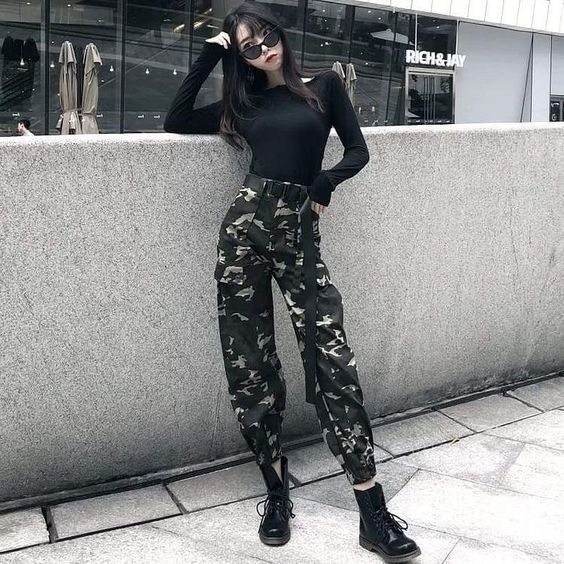 Kargo Pantolon Kombinleri Kadinev Com Kargo Pantolon Edgy Outfits Stil Kiyafetler