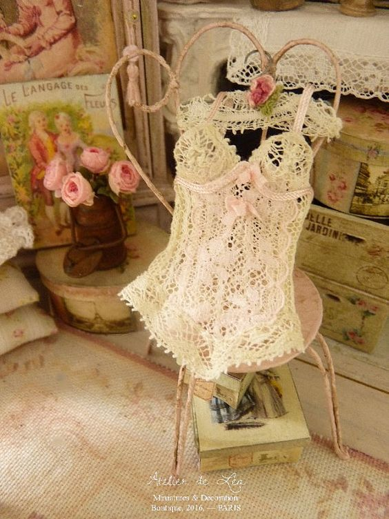 Antique French lace corset, pale pink silk ribbon - Accessory for a French dollhouse at 1:12th scale I completely made this corset, with old: