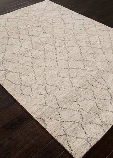 A distinct play of warp and weft, bringing forth a timelessly fashionable add-on to any space.