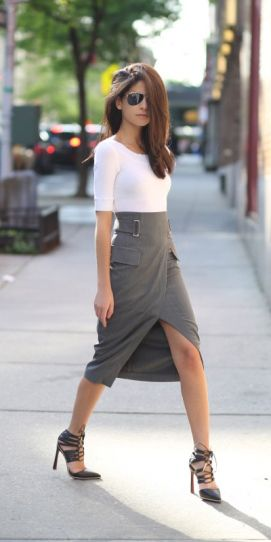 what to wear with grey midi skirt | Gommap Blog