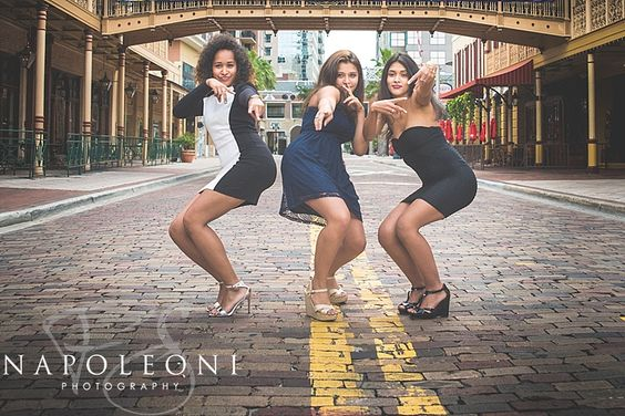 seniors, portraits, styling, outfit, posing, too much fun! Outakes, senior session marathon