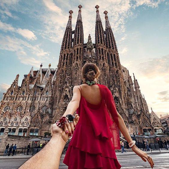 #followmeto Sagrada Familia in Barcelona with @natalyosmann. What Gaudi site is your favorite? #следуйзамной к храму Саграда Фамилия в Барселоне. В это воскресенье в 10:10 смотрите передачу на Первом Канале о нашем путешествии в жгучую Испанию!