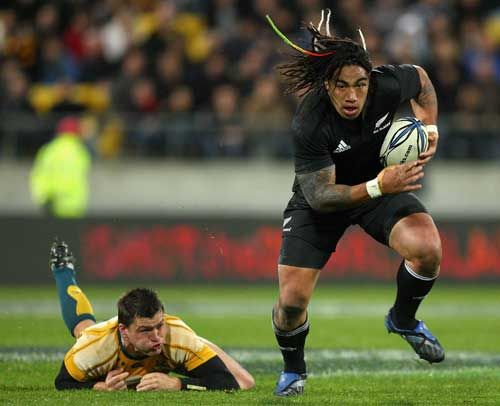 All Black centre Ma'a Nonu breaks clear