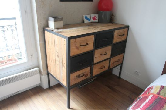 commode industrielle diy en m tal soud e palette de bois et tiroirs en caisse de vin hopfab. Black Bedroom Furniture Sets. Home Design Ideas