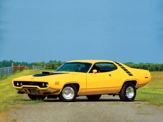 Road Runner 440 Six pack with the pop up grabber hood scoop.