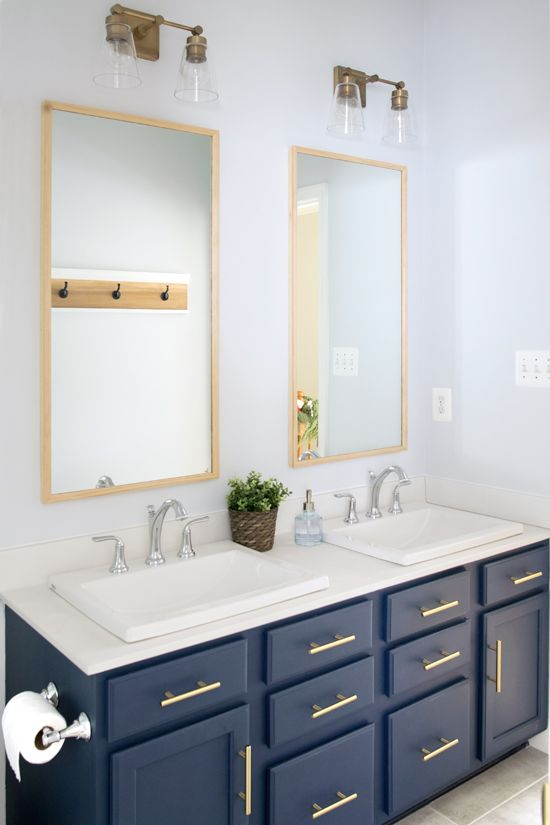 Modern Classic Guest Bathroom Makeover Reveal Small Bathroom Navy Bathroom Amazing Bathrooms