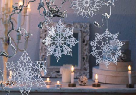 Christmas crochet pendants made from Anchor Freccia