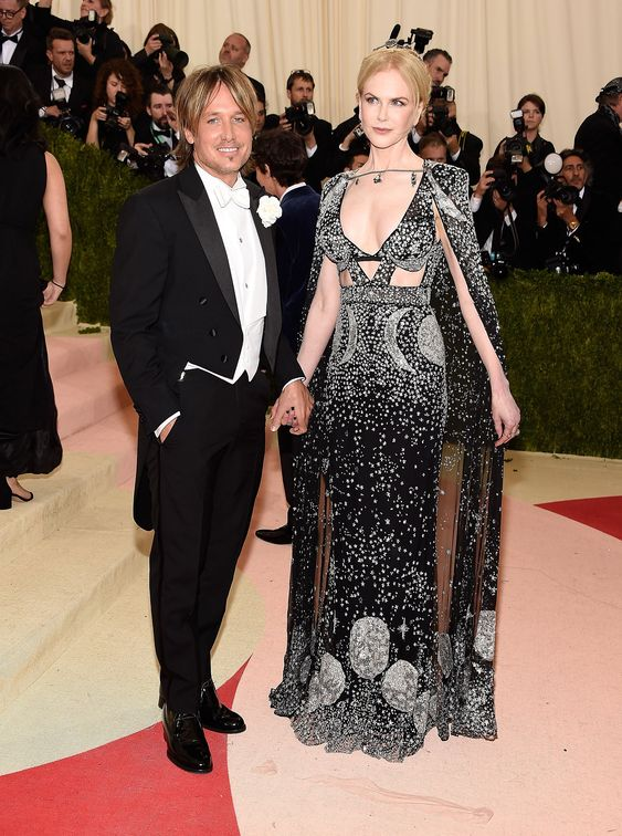 Keith Urban and Nicole Kidman Alexander McQueen in Fred Leighton jewelry