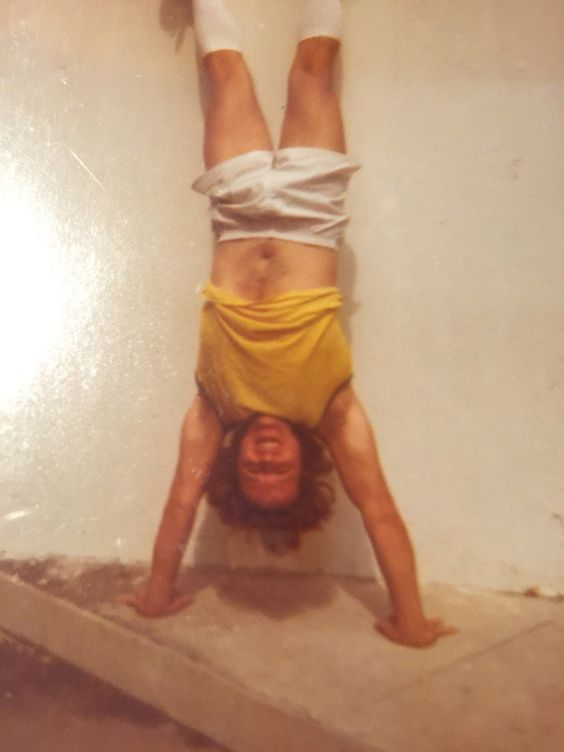 This was me outside a music theory class I taught at the University of Miami. I always preferred being inverted. 😍
