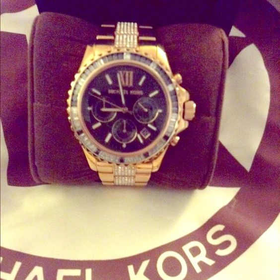 NewMichael Kors bling rose gold watch  authentic NewMichael Kors bling rosegold watch  authentic MICHAEL Michael Kors Accessories Watches