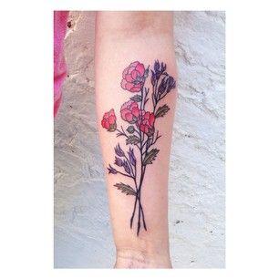 Este buquê impressionante.   26 lindas tatuagens para inspirar todos os amantes da natureza